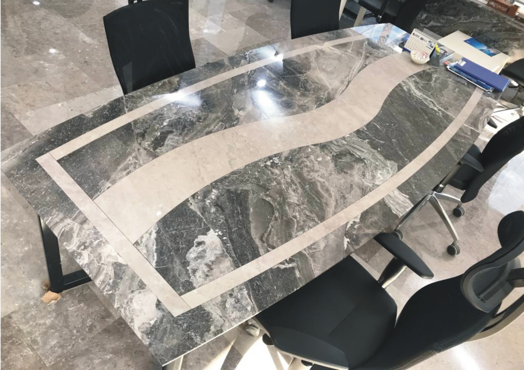 Silver Fantasy + Korkuteli Bej Table